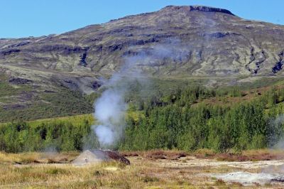 Entering Geysir
